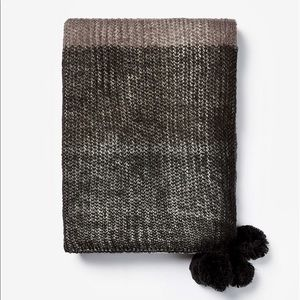 Black/Gray Large Color Block Knitted Scarf, Tassle